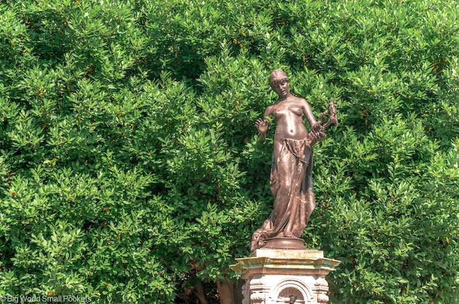 UK, Canterbury, Statue